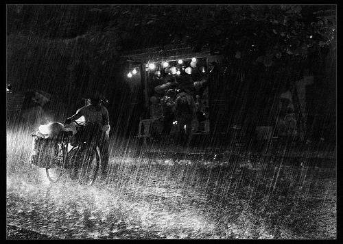 Một đêm mưa ở phố